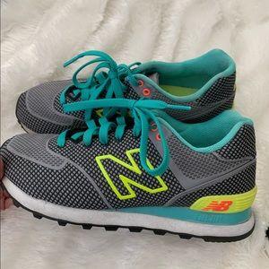 New balance tennis shoe sneaker